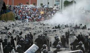 Represión a profesores de Guerrero en abril de 2013